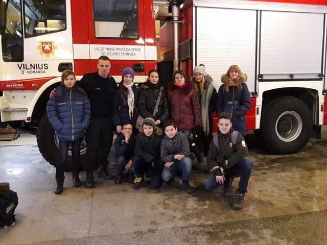 6b klasės išvyka į gaisrinę